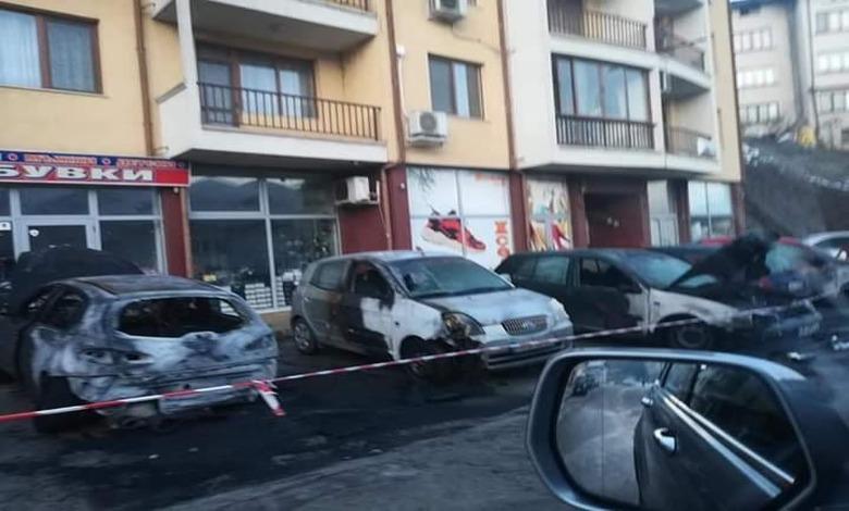 Седем автомобила изгоряха