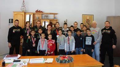 """Photo of Спортисти от СКБ""""Георги Бенковски"""" се срещнаха с д-р Мадлена Бояджиева"""