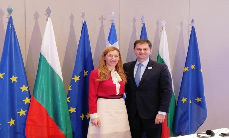 Министър Ангелкова
