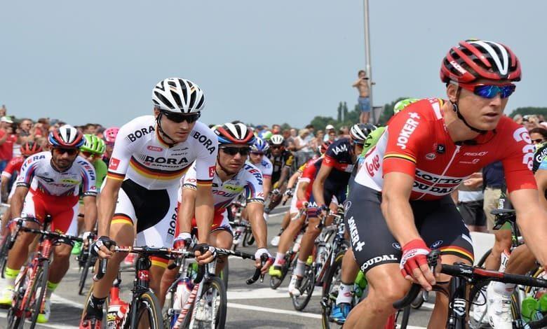 Отлагат с месец Тур дьо Франс