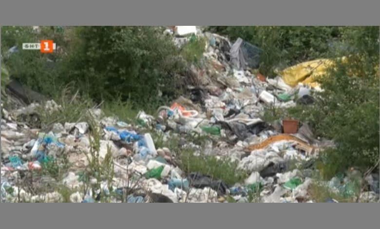 Нерегламентирано сметище край тетевенското село Гложене