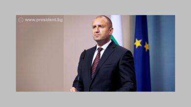 Президентът Румен Радев поиска оставка на правителството и главния прокурор