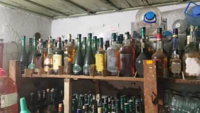 Митнически служители задържаха 626 л нелегален алкохол